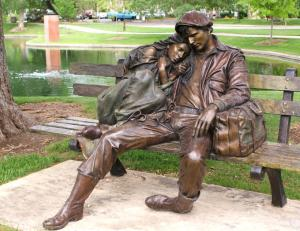 Bronze couple on a bench